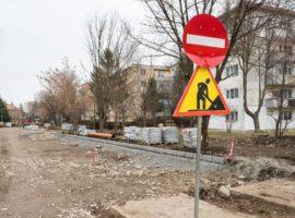 Contract pe un an pentru reparațiile la străzi