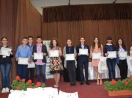 """Elevi din Sibiu, premiați la concursul național """"Cultură şi spiritualitate românească"""" de la Putna"""