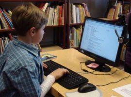 Accesul la internet şi bullyingul, noile pericole pentru copii