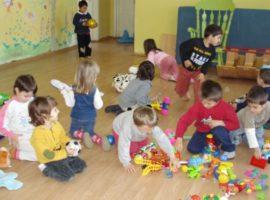 A început înscrierea copiilor nou-veniţi la grădiniţă pentru anul de învăţământ 2018-2019