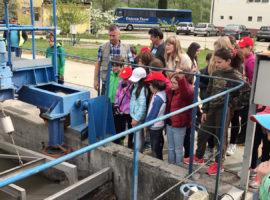 """Lecții """"altfel"""" despre apa potabilă și cea uzată în uzinele Apă Canal SA Sibiu"""
