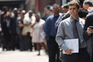 Șomajul, în scădere ușoară