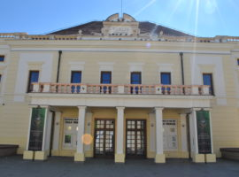 Teatrul sibian împlineşte astăzi 230 de ani