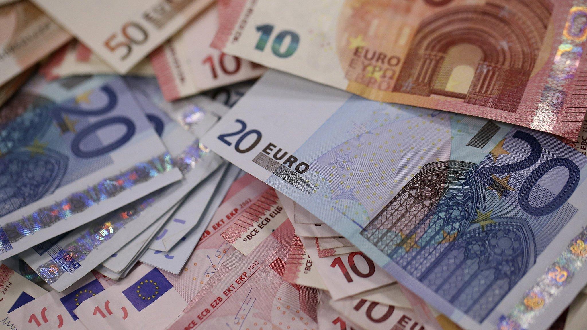 O nouă zi de apreciere pentru euro