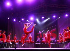 Sibiu Dans Festival, sub nori de ploaie.Cum au petrecut studenții din ȋntreaga țară pe scena din Piața Mică
