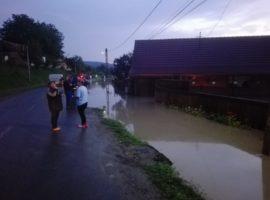 Inundațiile au lovit, aseară, satul Boian