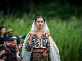 """""""Flori de Ie"""" deschide Feeric Fashion Week"""