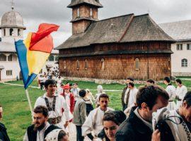 Centenarul Unirii, marcat de Organizația Tinerilor din Sibiu printr-o tabără științifică la mănăstirea Oașa