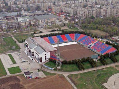 """Stadionul Ghencea urmează să fie demolat. Mai multe legende ale clubului Steaua au sosit pe teren în """"ultima zi de viaţă"""" a arenei"""