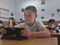 Educația digitală a ajuns la Turnu Roșu