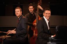 Cea mai în vogă formație de jazz din Ungaria, Péter Sárik Trio, revine la Sibiu