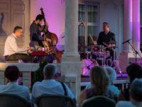 Péter Sárik Trio a devenit una dintre cele mai populare trupe de jazz din Ungaria din ultimii zece ani