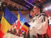 Hora Unirii și un tricolor uriaș de Ziua Națională