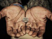 Săracii Europei. 1,5 milioane de români trăiesc cu mai puțin de 3 euro pe zi