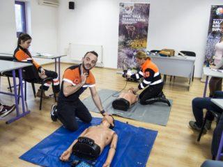 Sala Transilvania a fost dotată cu un defibrilator semiautomat