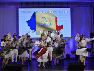 Hora românilor, la Gura Râului