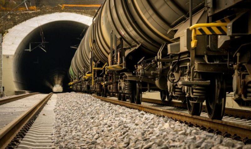 Tronsonul Sighișoara - Ațel include cel mai lung tunel de cale ferată construit în România după 1989, cu fonduri europene
