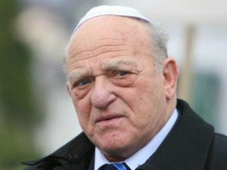 Forumul German îi acordă medalia de onoare președintelui Federației Comunităților Evreiești din România