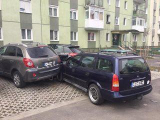 Un șofer vârstnic a lovit cinci mașini și a murit la spital