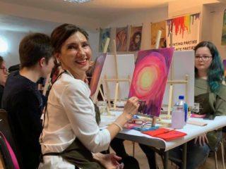 Carmen Iohannis a pictat cu elevii săi