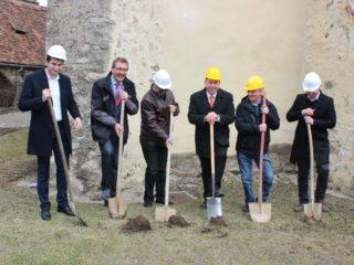 Biserica evanghelică fortificată din Cisnădie își propune să concureze cu biserica evanghelică din Sibiu și chiar cu Biserica Neagră