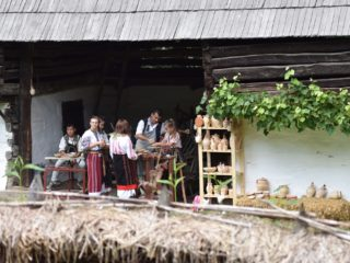 50 de elevi din județul Sibiu s-au înscris la Olimpiada Meșteșuguri Artistice Tradiționale. Vineri este ultima zi de înscriere