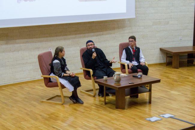 Părintele Visarion Alexa le vorbește tinerilor sibieni