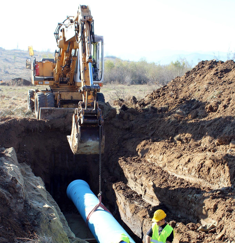 Intervenție la conducta de alimentare cu apă a localităților Mohu și Vestem