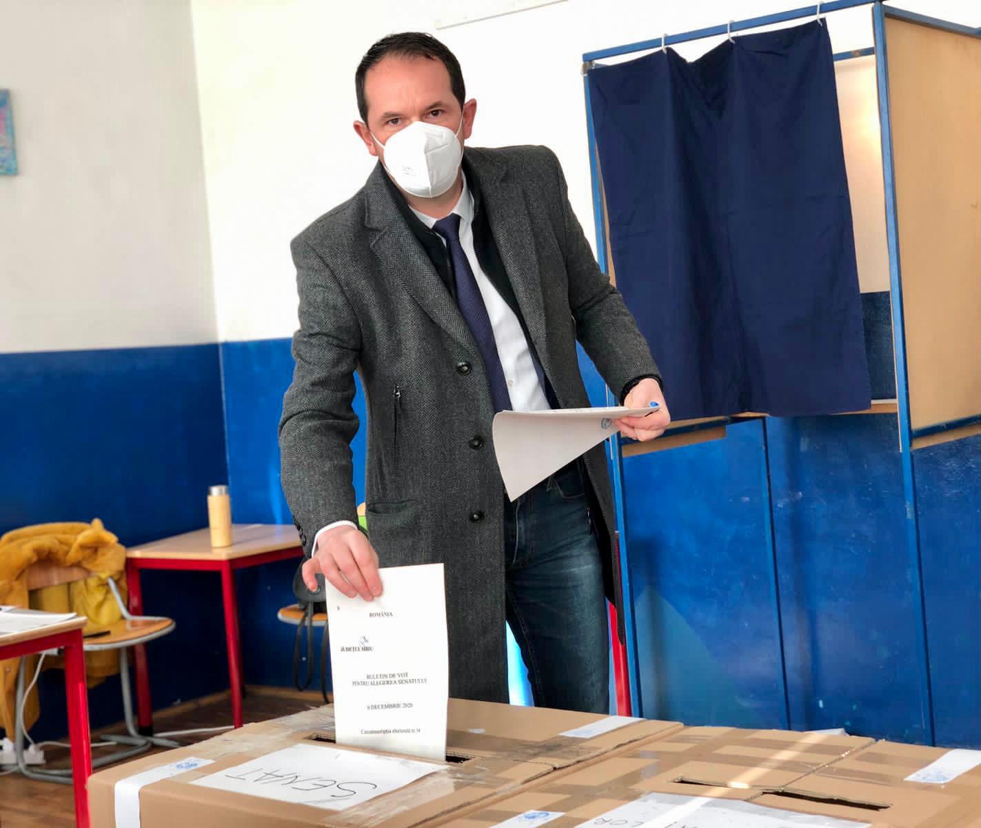 """Claudiu Mureșan (USR-Plus): """"Am votat pentru un viitor curat, în care copiii noștri să se simtă în siguranță acasă"""""""