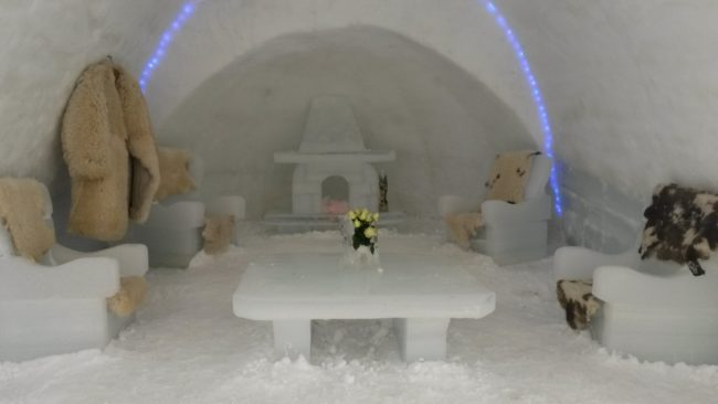 Hotelul de gheață așteaptă vremuri mai bune