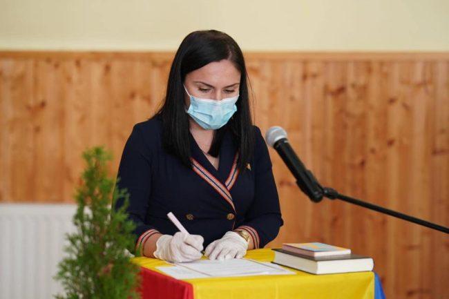 Primăria Racovița a schimbat macazul: acțiuni în sprijinul locuitorilor, procedură simplificată pentru vaccinare, transparență