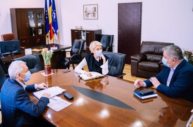 """Turcan: """"La Sibiu, vaccinarea se desfășoară în ritm și condiții bune"""""""