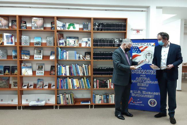 Ambasadorul SUA a vizitat Biblioteca Județeană ASTRA Sibiu