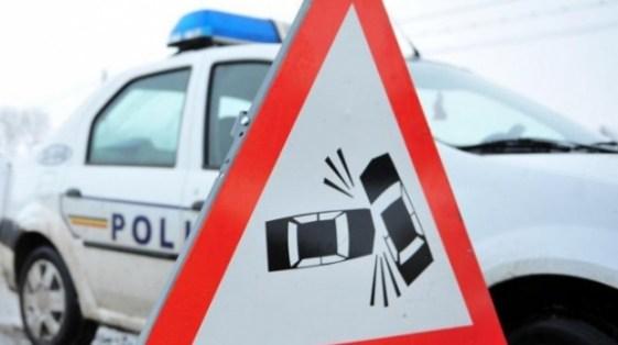 Accident în zona Extaz. Un șofer a ajuns la Urgențe