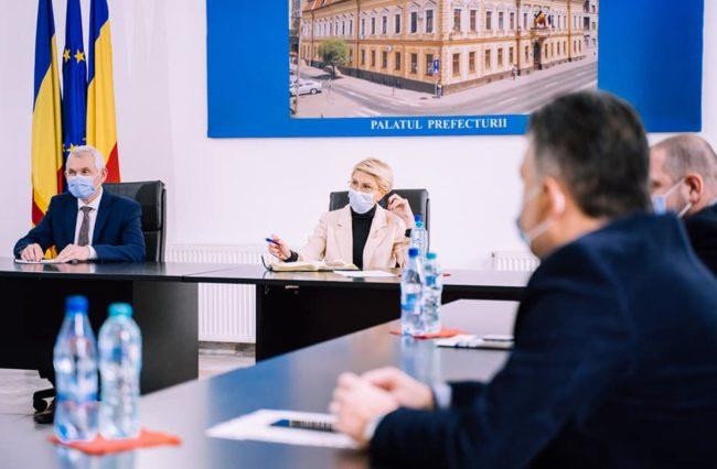 Ministrul Raluca Turcan le-a cerut instituțiilor din Sibiu să vină cu soluții