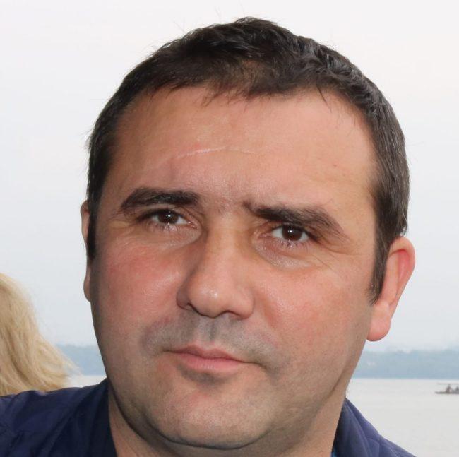 """Silviu Borș, managerul Bibliotecii Județene Astra: """"Suntem permanent la dispoziția publicului"""""""