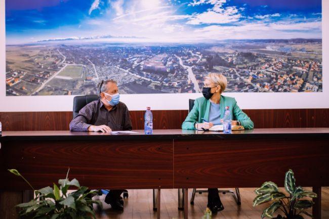 Turcan: Primarul din Avrig merită felicitări