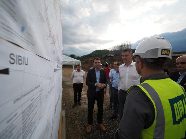 Barna, pe șantierul Sibiu-Boița: Asta e ceea ce şi-a propus acest guvern, să facă autostrăzi!