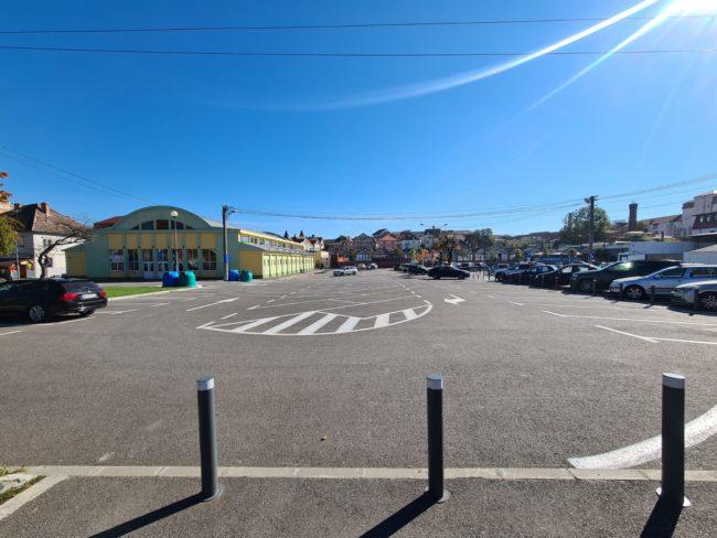 Centrul de vaccinare drive through se mută în parcarea din Piața Teatrului