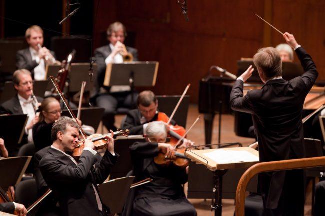Festivalul Enescu la Sibiu ne aduce în continuare staruri ale muzicii clasice: Yuja Wang și Orchestra de cameră Mahler, printre artiștii de talie mondială invitați